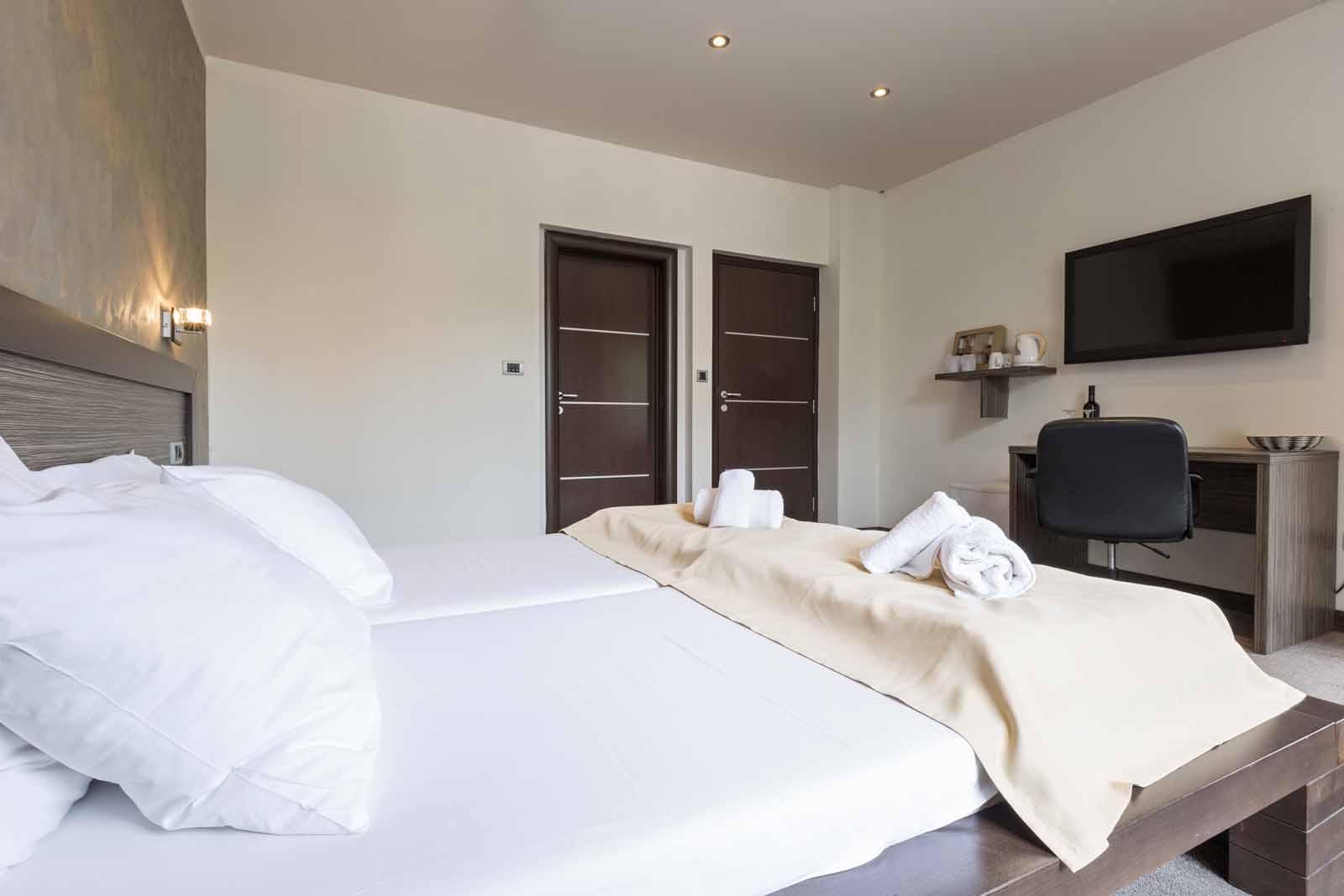 hotel bed setup
